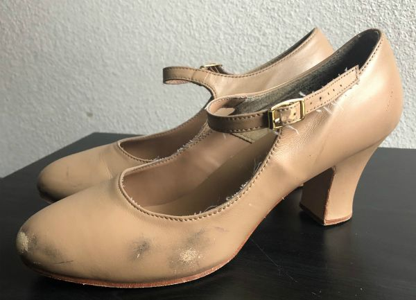side wear capezio manhattan character shoe