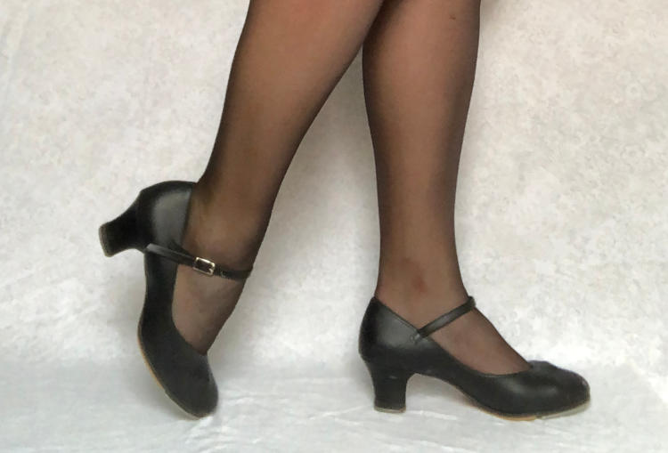 3-inch character shoes in black